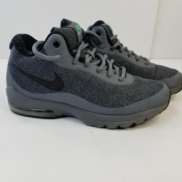Nike Men's Air Max Invigor Mid Grey Shoes